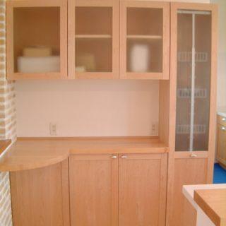 大阪, オーダー家具 メープル無垢材  ヒノキ無垢材 食器棚
