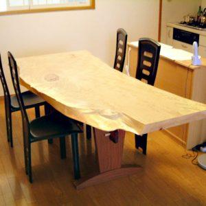 無垢, 大阪, オーダー家具, トチ, アガチス, 一枚板, 天板, 無垢材 ウォルナット×アガチスダイニングテーブル