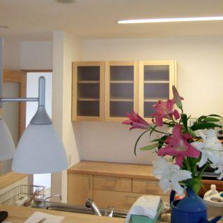 大阪 オーダー家具 メープル アガチス(内部)無垢材食器棚
