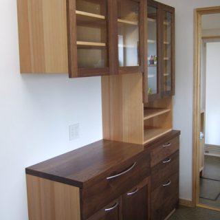 大阪 オーダー家具 アガチス(キャビネット等) ウォールナット(化粧板)無垢材食器棚