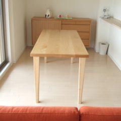 大阪 オーダー家具 北海道産ナラ無垢材(2枚ハギ)ダイニングテーブル