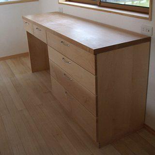 大阪, オーダー家具 メープル無垢材、アガチス無垢材キッチンバック収納