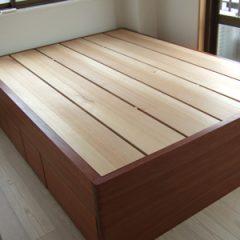 大阪 オーダー家具 パウロッサー無垢材、アガチス無垢材ダブルベッド