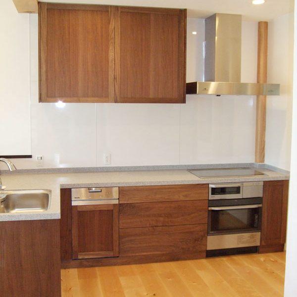 大阪 オーダーキッチン ウォールナット オーダー家具 無垢材 機能を優先したキッチンレイアウト