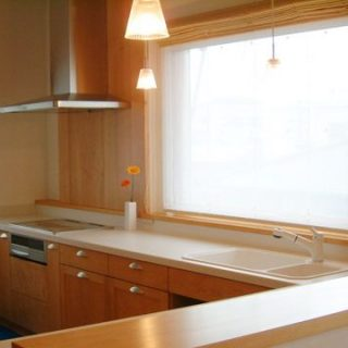 檜, 無垢, ヒノキ, 大阪, オーダーキッチン, オーダー家具, 無垢材 朝日と目覚めるキッチン