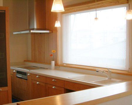 ヒノキ 大阪 オーダーキッチン オーダー家具 無垢材 朝日と目覚めるキッチン