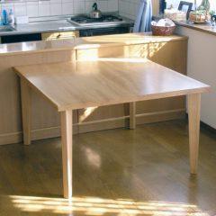 大阪 オーダー家具 北海道産ナラ無垢材 ダイニングテーブル