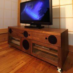 大阪 オーダー家具 5.1CHサラウンド AVアンプ スピーカーボックス ウォールナット無垢材 ウォールナット無垢材AVボード