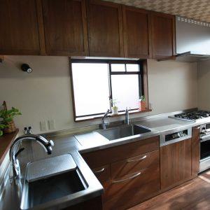 無垢, 大阪, オーダーキッチン, ウォールナット, オーダー家具, 無垢材 魚がおどるキッチン