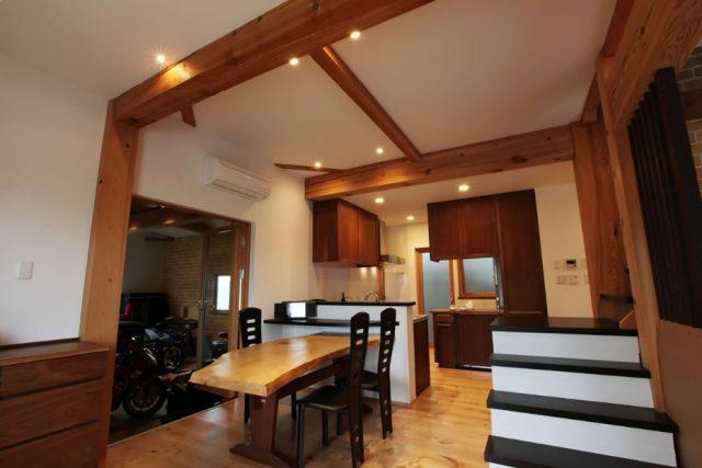 無垢 大阪 オーダーキッチン ウォールナット オーダー家具 無垢材 機能を優先したキッチンレイアウト
