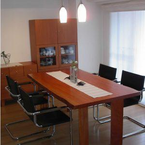 テーブル, 大阪, オーダー家具, ボセ, 一枚板, 無垢材 いすに合わせたテーブル