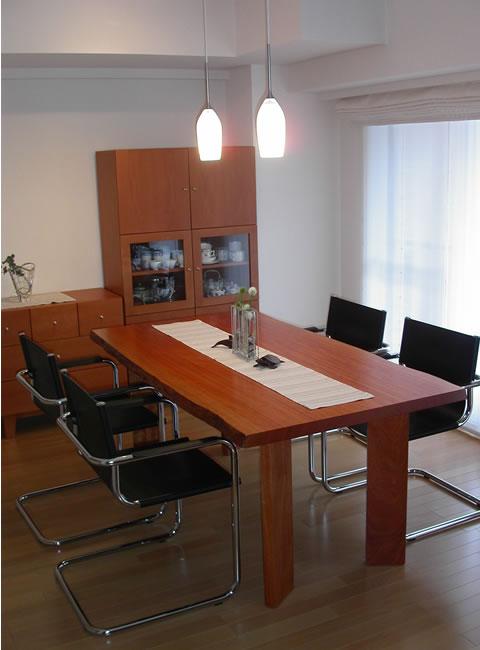 テーブルクリアランス サイズ 脚 テーブル 大阪 オーダー家具 ダイニングテーブル 4本足 ボセ 椅子 一枚板 無垢材 オイルフィニッシュ いすに合わせたテーブル