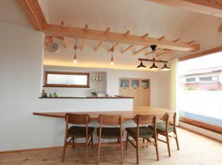 大阪, パントリー, テラコッタ, メープル, オーダーキッチン, オーダー家具, 無垢材 南欧風キッチン