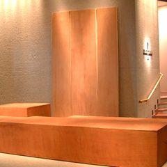 大阪 オーダー家具 ハービスエント5階 共用ゾーン大型無垢材モニュメント