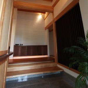 大阪, オーダー家具, 下駄箱, 作り付け, アガチス, ウォルナット, 無垢材 ウォルナット×アガチス無垢材下駄箱