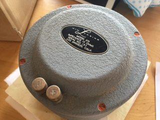 響き ジャズ コーナー型 家具調 サランネット 音響レンズ 1950年代から60年代のユニット システム 視聴可能 ショールーム 化粧部分素材 構造用合板 内部素材 米松 フレーム素材 中域 オーク素材 ウッドホーン 175DLH 1インチドライバー 2インチ ドライバー JBL2395 JBL537-500 ハンプバック JBL375 JBL130A16Ω ダブルウーファー JBL150-4C JBL175 低域 高域 ツーウェイネットワークシステム ユニット 自作スピーカー モノラル ステレオ オーディオ こだわり 音 木 辻ウッドテクニカル モノラルスピーカー オーク 大阪 音域 スピーカー ホーン オーダー家具 ナラ 無垢材 音との対話を重ねたモノラルスピーカー
